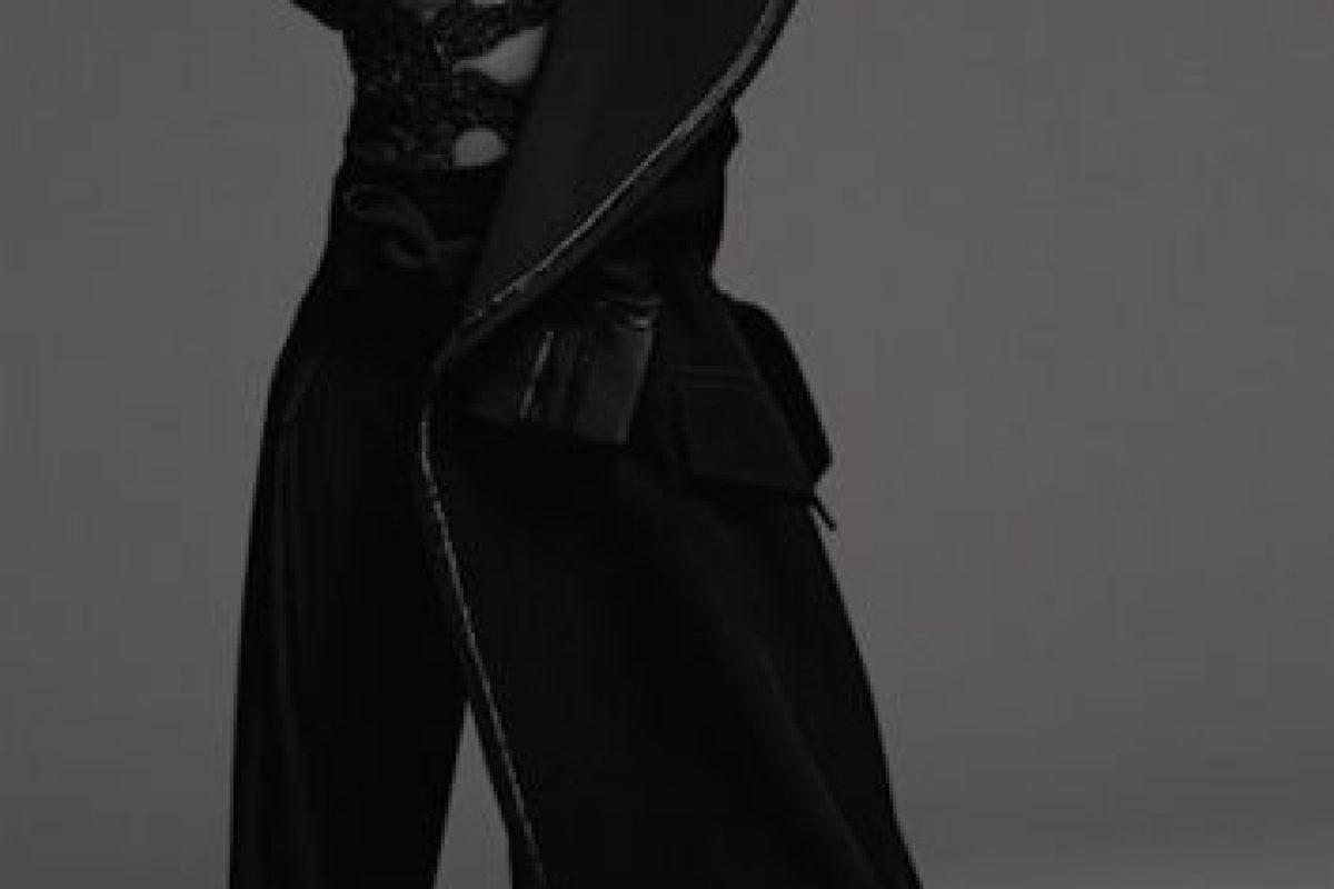 Rihanna posó con un toque de erotismo Foto:Another Magazine. Imagen Por: