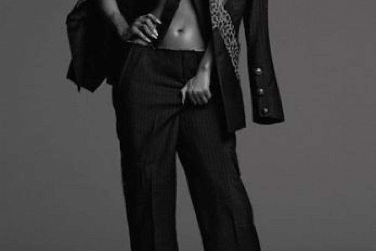 Modeló diseños del fallecido diseñador Alexander McQueen Foto:Another Magazine. Imagen Por:
