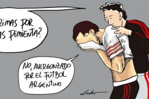 Los internautas critican a los hinchas de Boca Juniors que provocaron la suspención del Súper Clásico de Argentina, en la Copa Libertadores Foto:Twitter. Imagen Por: