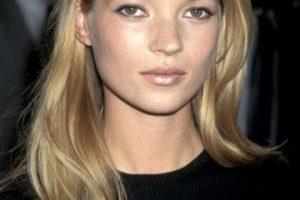 "¿Se acuerdan del ""fair makeup"" que usaban varias estrellas? Brillo labial nacarado, sombras rosa nacaradas. Foto:vía Getty Images. Imagen Por:"