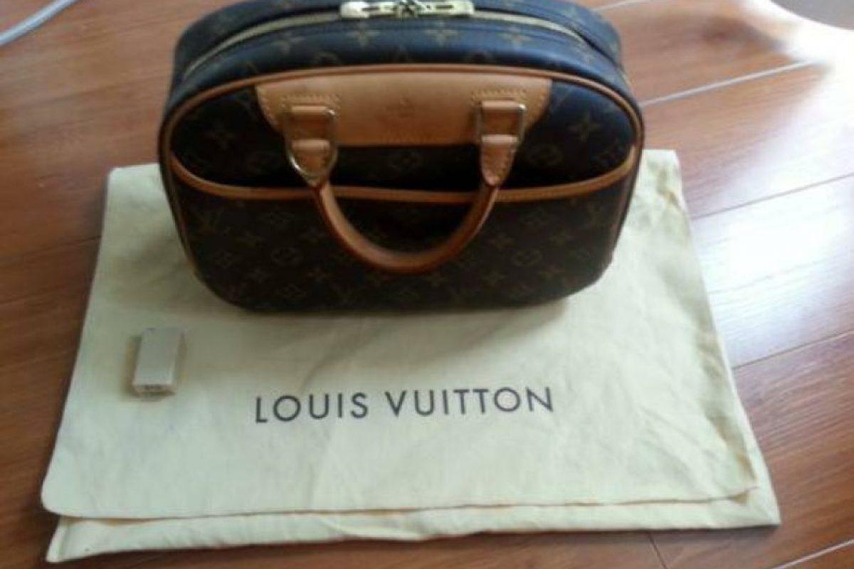 Una costosa bolsa Louis Vuitton. Foto:vía Craiglist. Imagen Por: