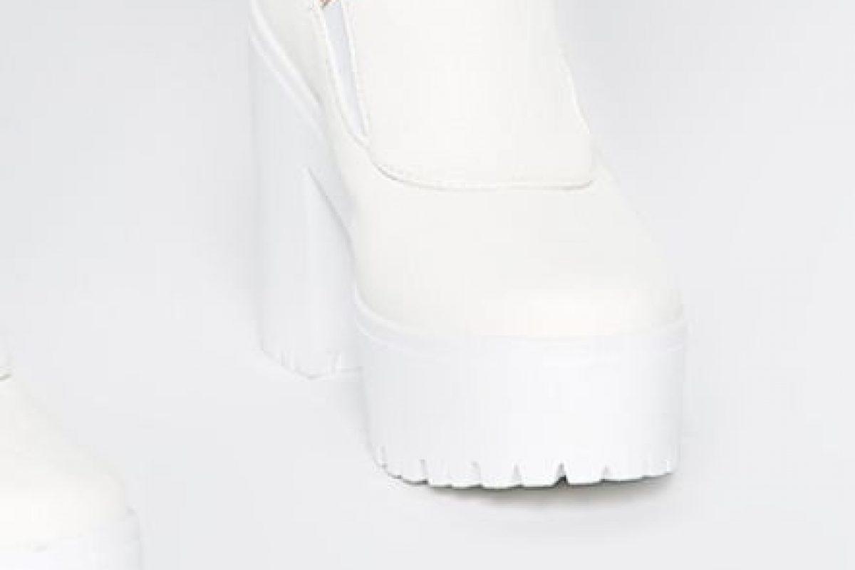 Sobre todo las blancas, por el minimalismo que está de tendencia Foto:vía ASOS. Imagen Por: