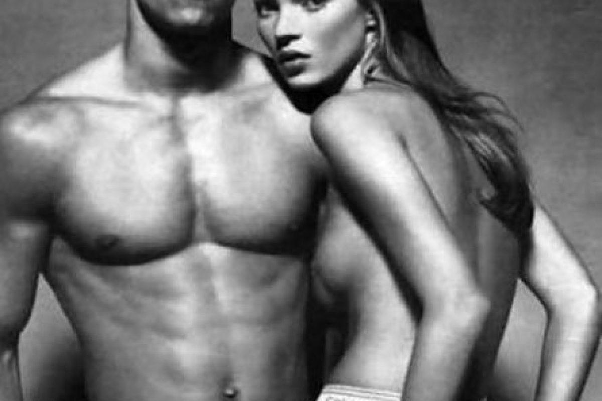 """Anuncio con """"Marky Mark"""". Foto:vía Calvin Klein. Imagen Por:"""
