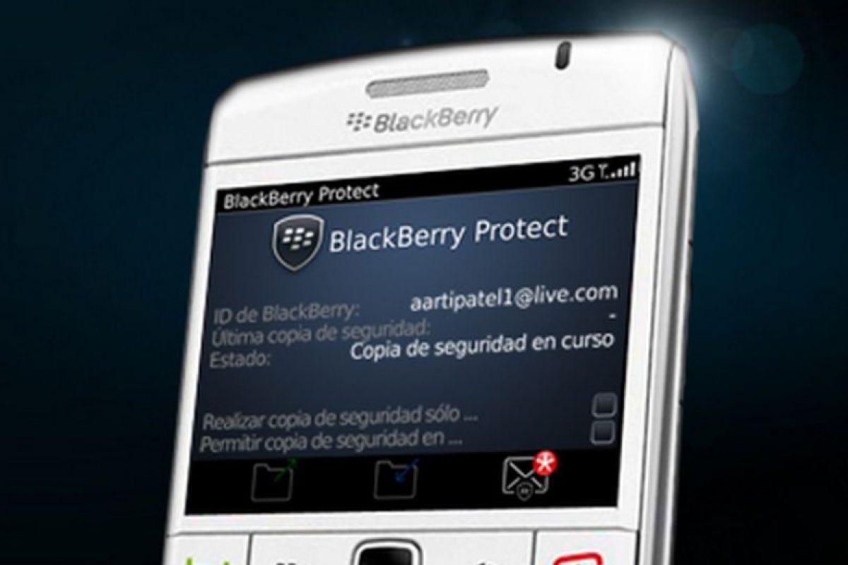 Blacberry Protect es exclusiva para esta marca y ofrece bloqueo remoto del dispositivo, pantalla de bloqueo, activación remota del timbre alto, copia de seguridad y restauración de manera inalámbrica Foto:Blackberry. Imagen Por: