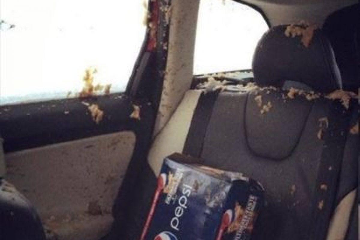 El que dejó todo esto en el auto. Foto:vía Imgur. Imagen Por: