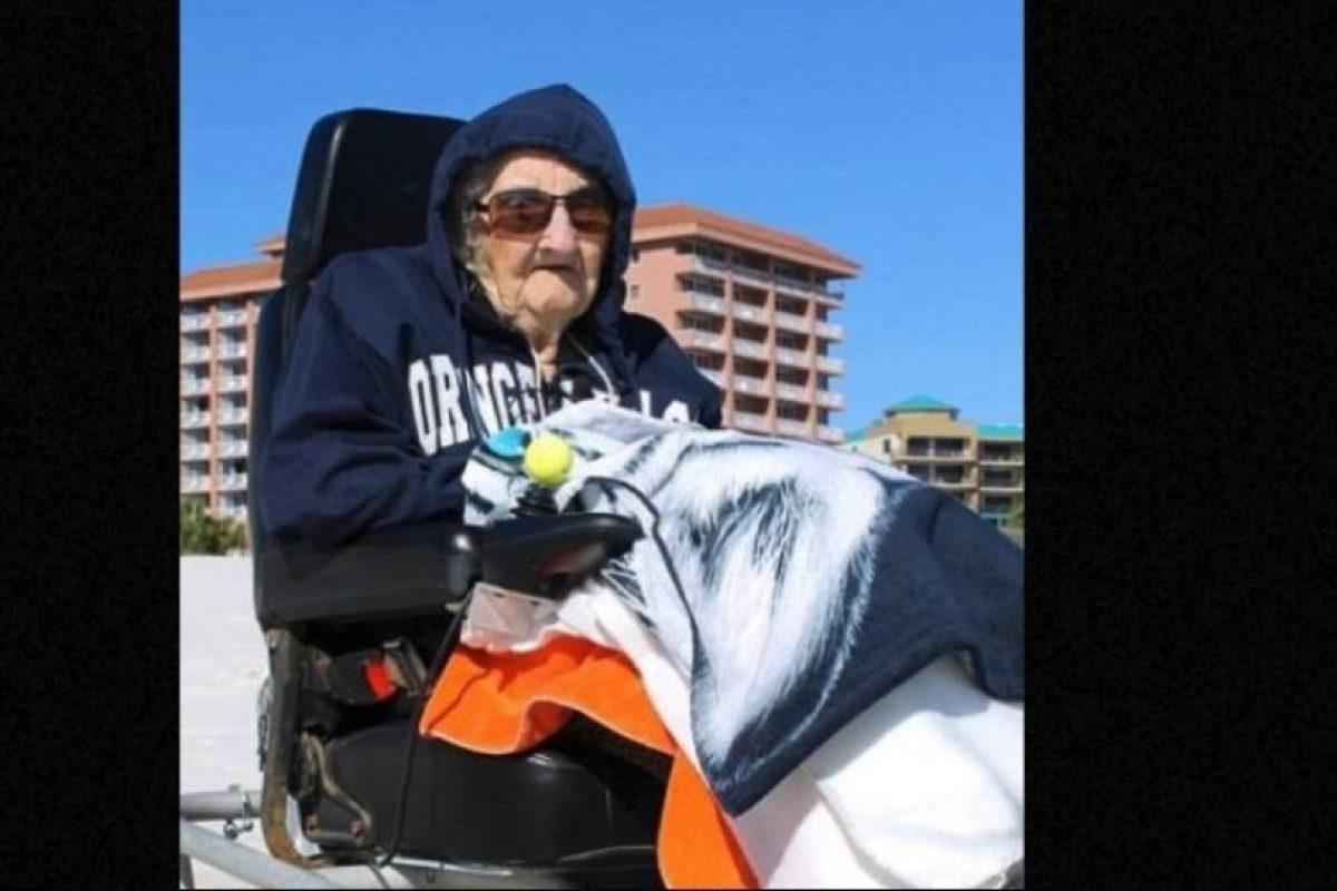 Esta mujer de 100 años jamás había visto el mar Foto:Perdido Beach Resort. Imagen Por: