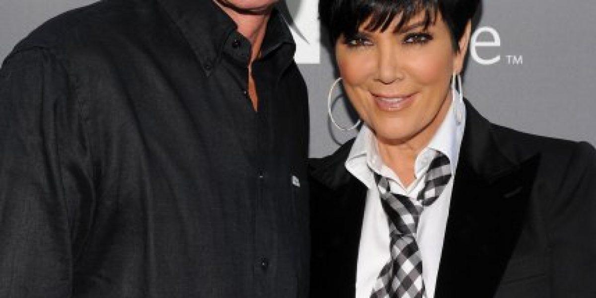 ¡Khloé Kardashian le regaló ropa de mujer a Bruce Jenner!