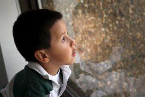 El abuso sexual es el maltrato infantil menos denunciado, los agresores suelen ser varones y 8 de cada 10 casos son los padres, esposos o parientes Foto:Getty Images. Imagen Por: