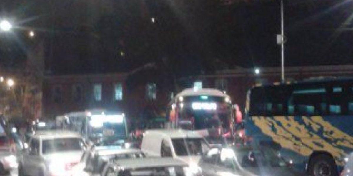 Tacos en Valparaíso por ensayo del desfile del 21 de mayo