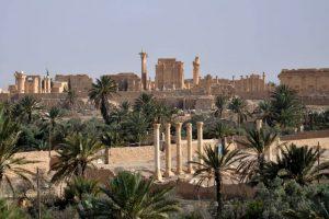 """También ha destruido restos arqueológicos en Hatra y de la bíblica Nínive, en Irak, según el periódico español """"El País"""". Foto:AFP. Imagen Por:"""
