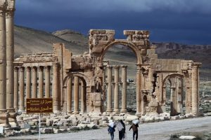 Recientemente ISIS destruyó el sitio arqueológico asirio de Nimrud. Foto:AFP. Imagen Por: