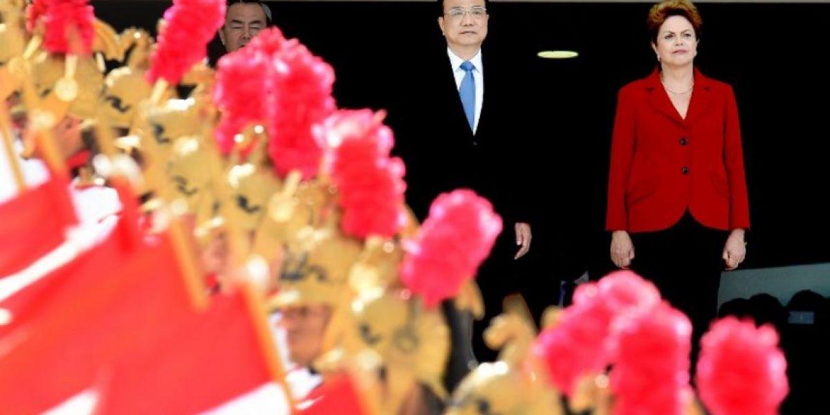 Primer ministro chino inicia visita a Brasil para impulsar negocios