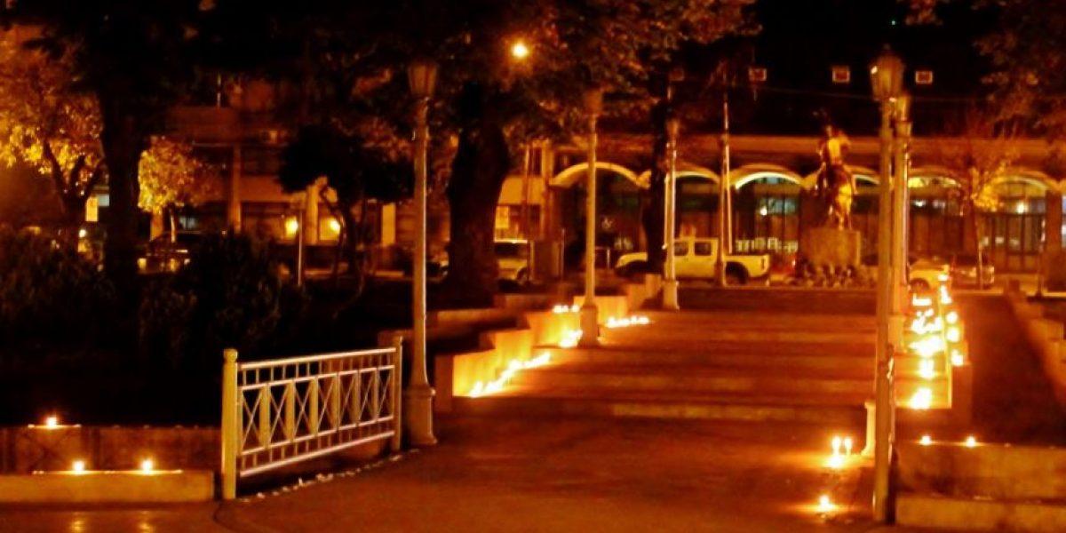 Realizan emotiva velatón a 10 años de tragedia militar de Antuco