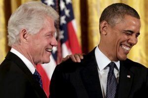 El presidente estadounidense Barack Obama decidió abrir su cuenta oficial de Twitter y una de las personas en darle la bienvenida fue Bill Clinton. Foto:Getty Images. Imagen Por: