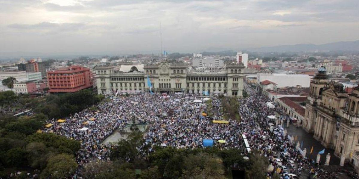 Pese a protestas,presidente de Guatemala descarta renunciar por crisis de corrupción
