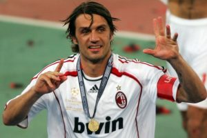 10. Paolo Maldini – 26 títulos Foto:Getty Images. Imagen Por: