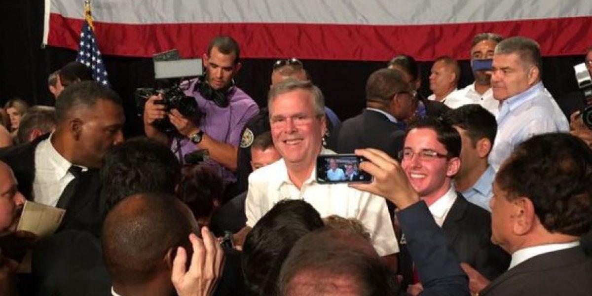 Jeb Bush acusa a Obamade fortalecer a los regímenes de Cuba e Irán