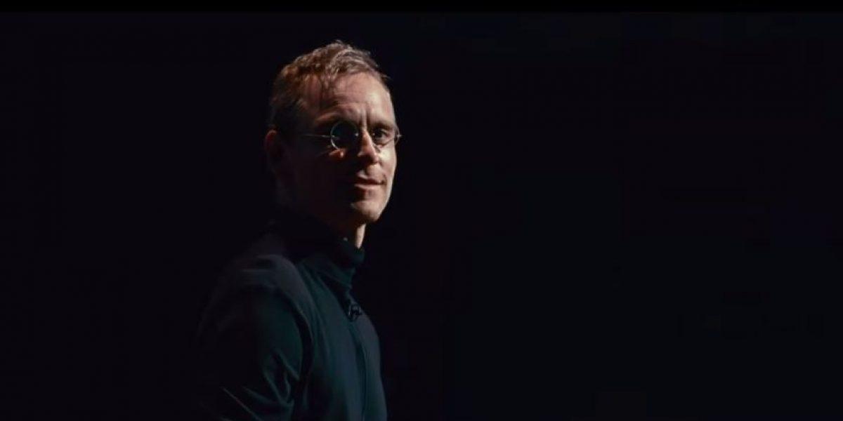 VIDEO: Así luce Michael Fassbender como Steve Jobs en su nueva película
