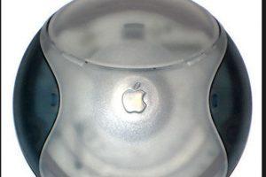 El Hockey Puck Mouse perdió mucha fuerza por lo incómodo del diseño pese a su agradable apariencia. Además, los usuarios se quejaban de la poca extensión del cable del ratón Foto:Wikicommons. Imagen Por: