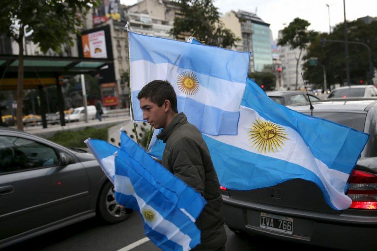 Argentina – 490 dólares mensuales, de acuerdo a lo anunciado por la presidenta Cristina Fernández en septiembre de 2014 Foto:Getty Images. Imagen Por: