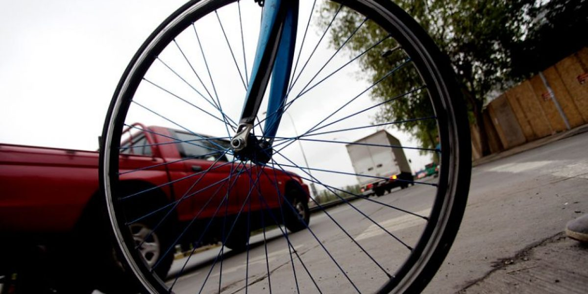 Ciclista será indemnizado tras sufrir accidente en ciclovía