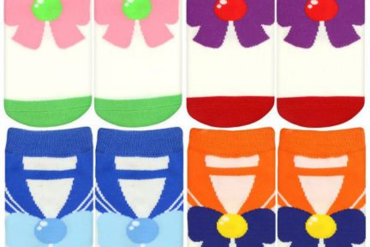 """Medias para satisfacer a la """"geek"""" que llevan dentro. Foto:vía Sailor Moon Collectibles. Imagen Por:"""