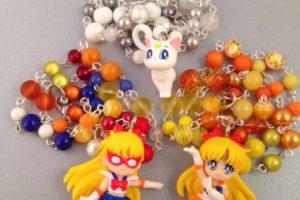Collares de Sailor Venus y Artemis. Foto:vía Etsty. Imagen Por: