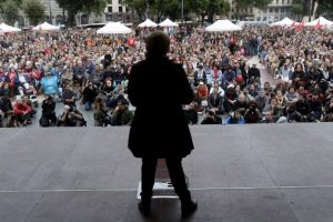 De acuerdo a las redes sociales, el PP es el partido con mayor protagonismo: concentra el 41% de las conversaciones relacionadas con la política, seguido de Podemos (20%) y Ciudadanos (17%). Foto:AFP. Imagen Por: