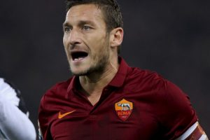 """El ícono de la Roma no ha podido coronar su carrera con los """"giallorossi"""" ganando la Champions League. Sólo ha llegado a cuartos de final, donde fueron eliminados en las temporadas 2006-2007 y 2007-2008. Foto:Getty Images. Imagen Por:"""