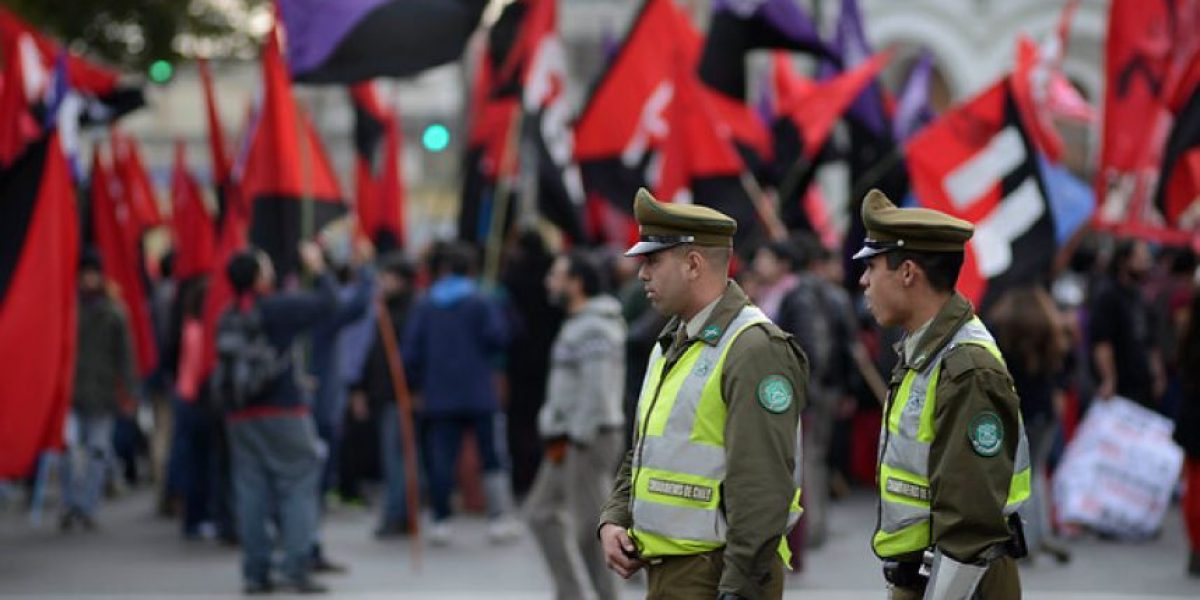 Organizaciones sociales se reúnen en Valparaíso para marchar
