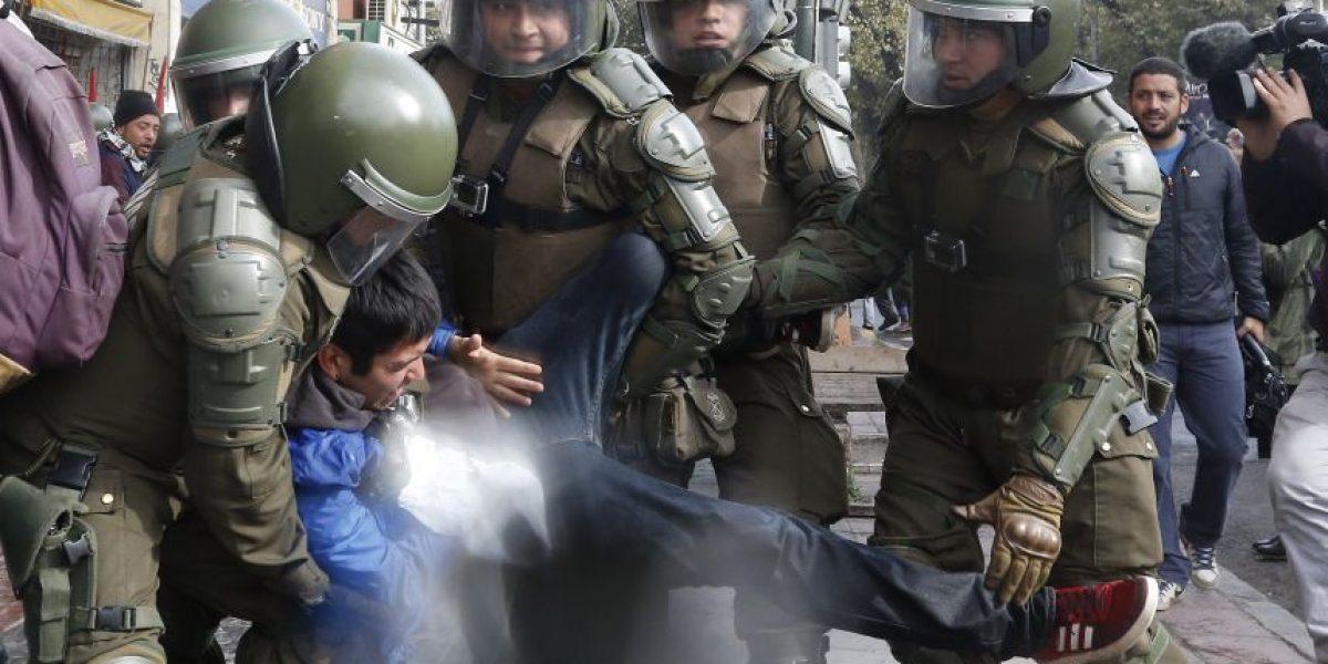 37 detenidos dejan incidentes durante marcha en Valparaíso