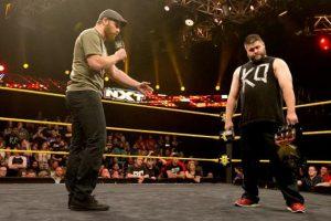 Nació en Canadá Foto:WWE. Imagen Por: