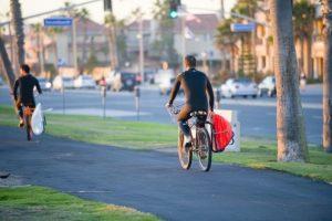 6. Siempre deben elegir los lugares menos transitados por peatones para circular. Foto:Wikimedia. Imagen Por: