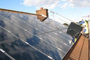 Hanergy Thin Solar, es una compañía dedicada a la producción de paneles solares. Foto:Vía hanergy.com. Imagen Por: