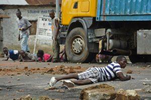Protestas en Burundi por la intención del presidente Pierre Nkurunziza de aspirar a un tercer mandato. Foto:AFP. Imagen Por: