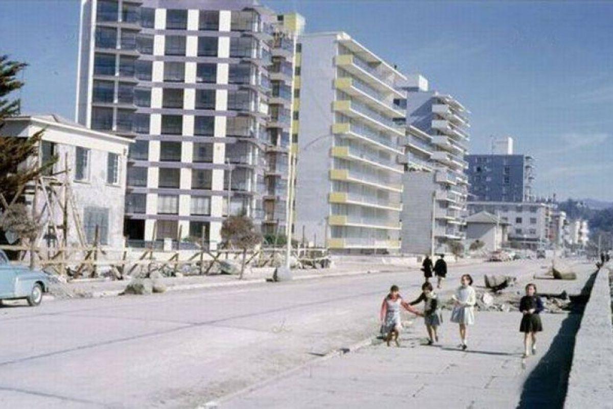 Vista de la avenida Perú de Viña del Mar en 1965. Foto:Gentileza Fotos Históricas de Chile. Imagen Por: