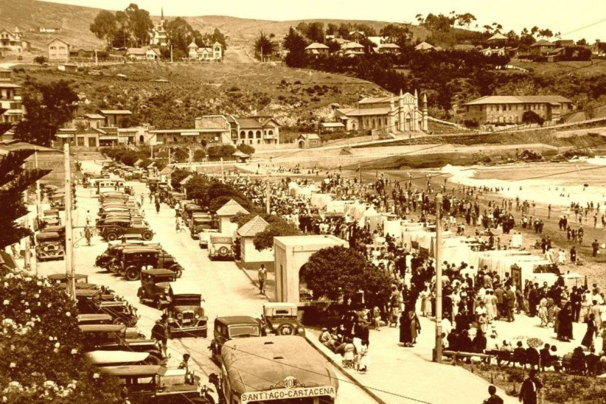 Vista de la Playa Chica del Balneario de Cartagena en 1930. Foto:Gentileza Fotos Históricas de Chile. Imagen Por:
