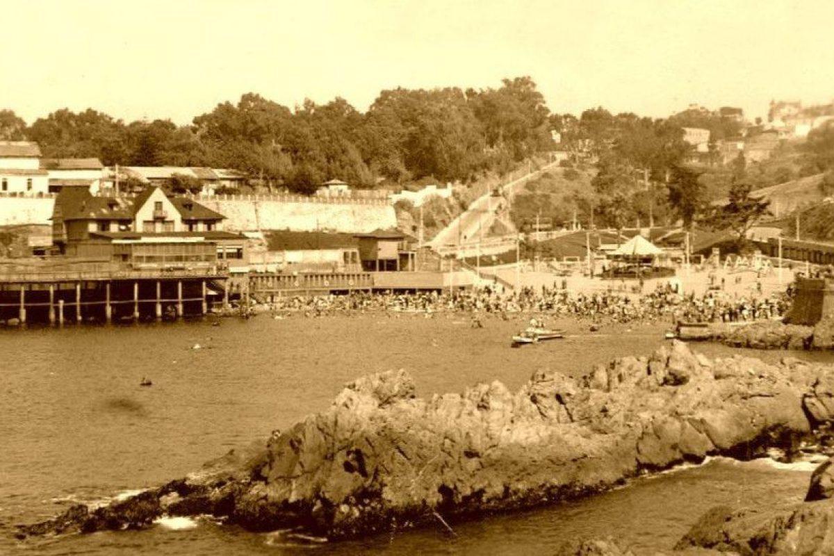 Playa Las Torpederas de Valparaiso en 1945. Foto:Gentileza Fotos Históricas de Chile. Imagen Por: