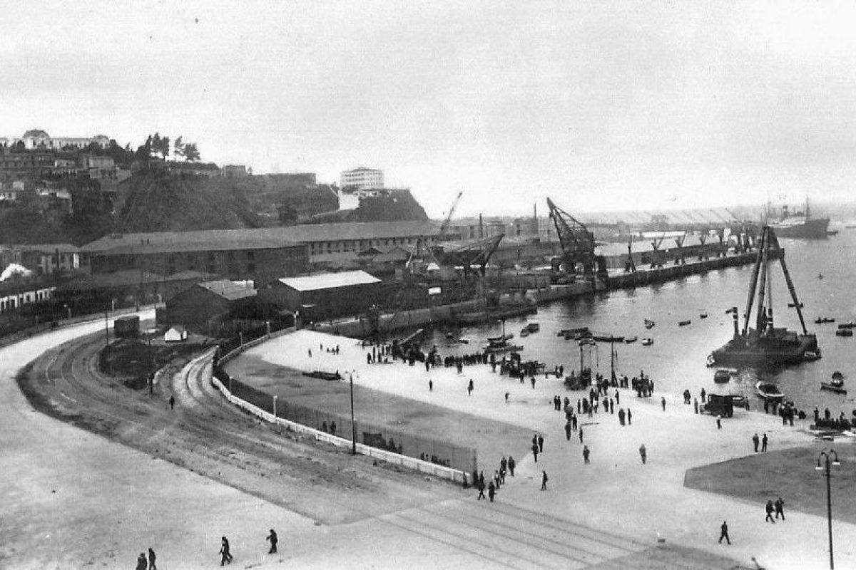 Muelle de pasajeros del Puerto de Valparaiso en 1919. Foto:Gentileza Fotos Históricas de Chile. Imagen Por: