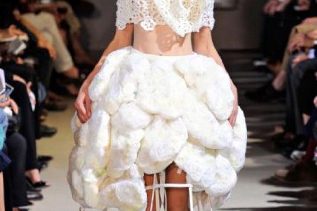 Vestido con el que probablemente toda chica querría salir en invierno. Foto:vía Getty Images. Imagen Por: