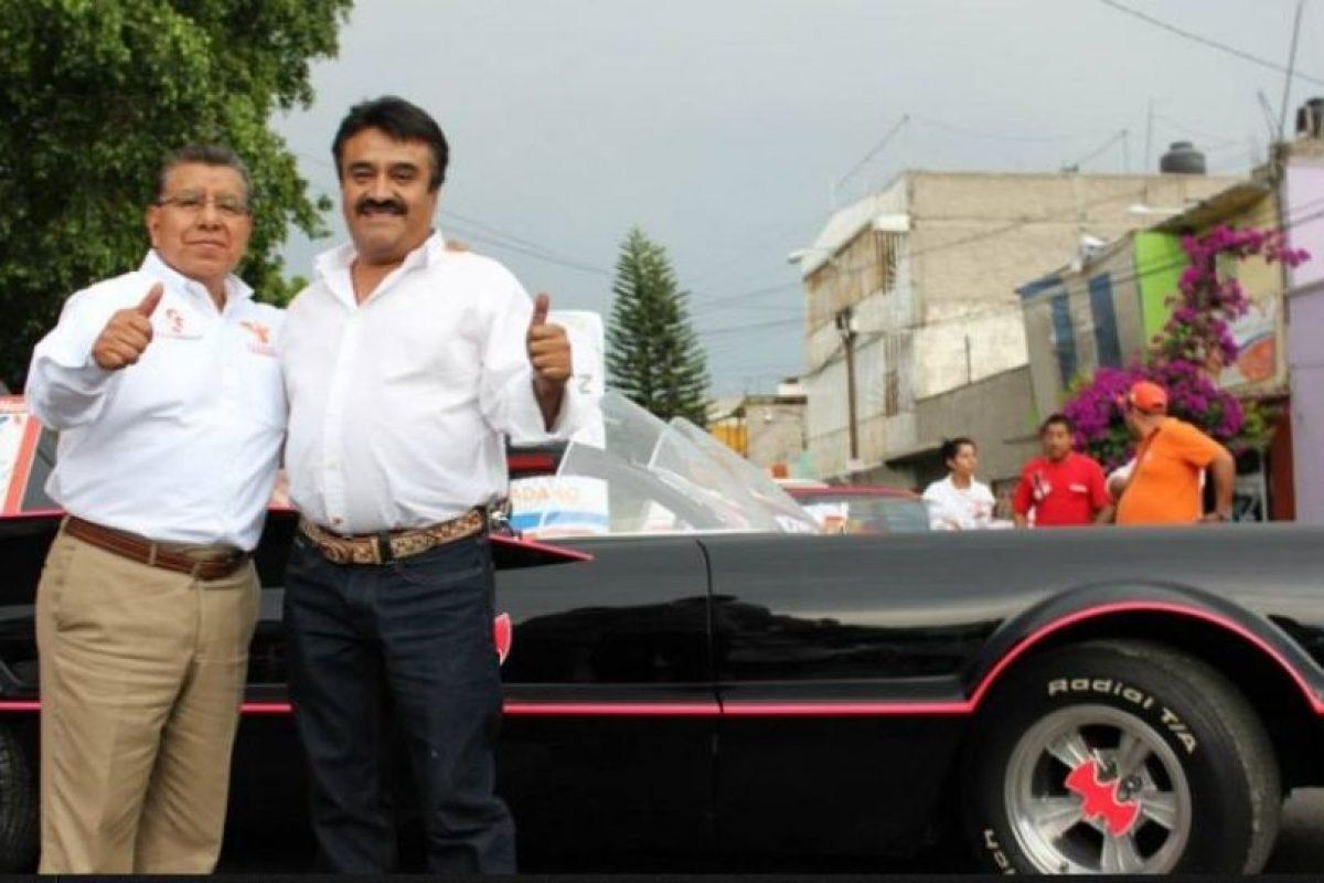 """Este candidato utiliza un """"Batimóvil"""" para ganar alcaldía Foto:Facebook.com/valentinenmovimiento. Imagen Por:"""