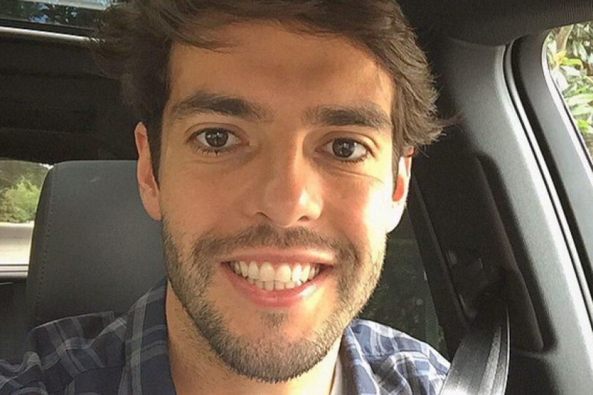 El futbolista brasileño, devoto cristiano evangélico, se propuso llegar virgen al matrimonio y lo logró. Kaká se casó a los 23 años con su novia de toda la vida, Caroline Celico. Foto:Vía instagram.com/ricardokaka. Imagen Por: