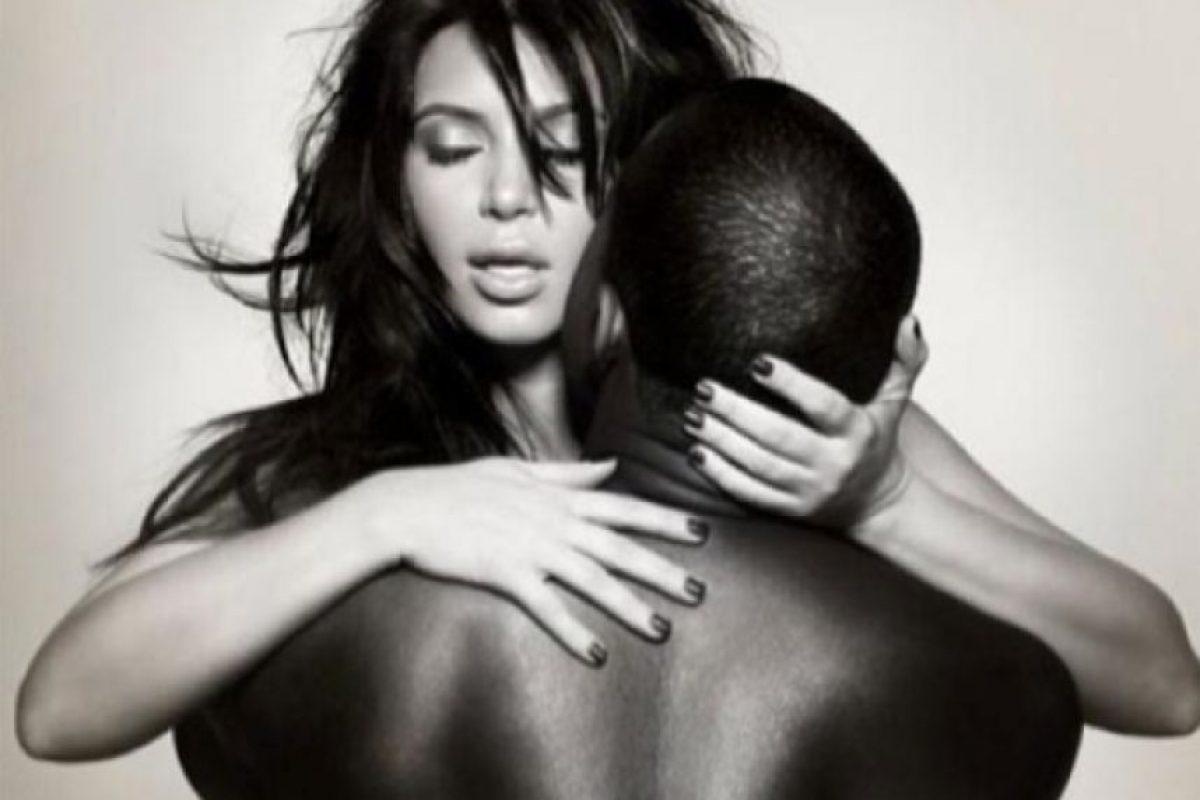 7.- Luego, llegó Kim Kardashian con su sex tape en 2007 Foto:L'Officiel Hommes. Imagen Por: