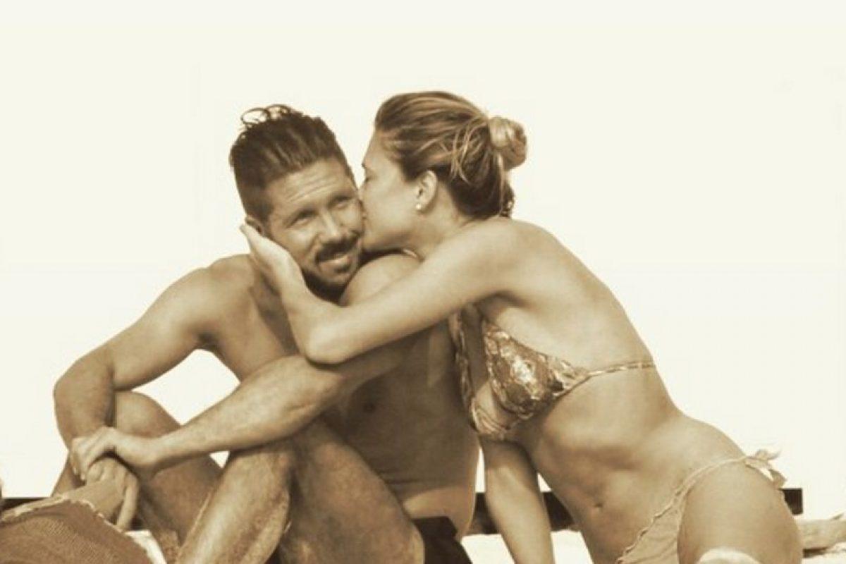 Diego Simeone y Carla Pereyra Foto:Vía instagram.com/carlitaperey15. Imagen Por: