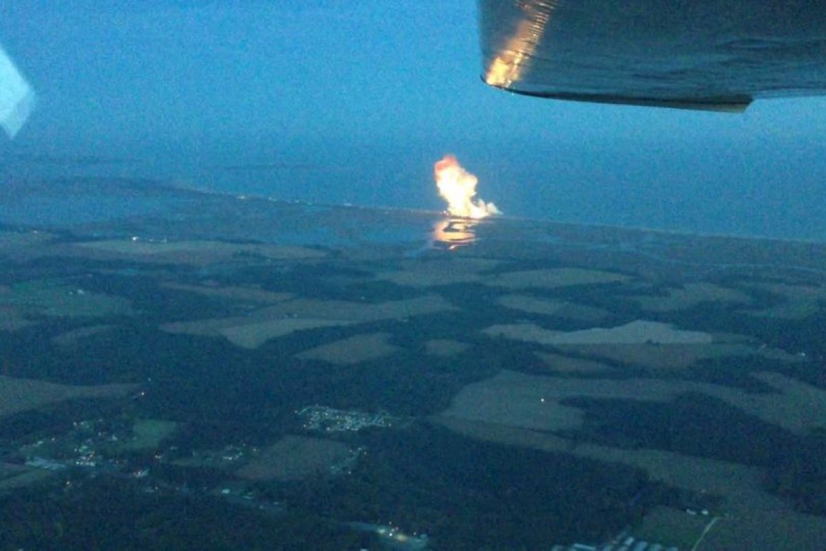 El cohete Antares de Orbital Sciences explotó seis segundos después de despegar Foto:YouTube / Ed Sealing. Imagen Por: