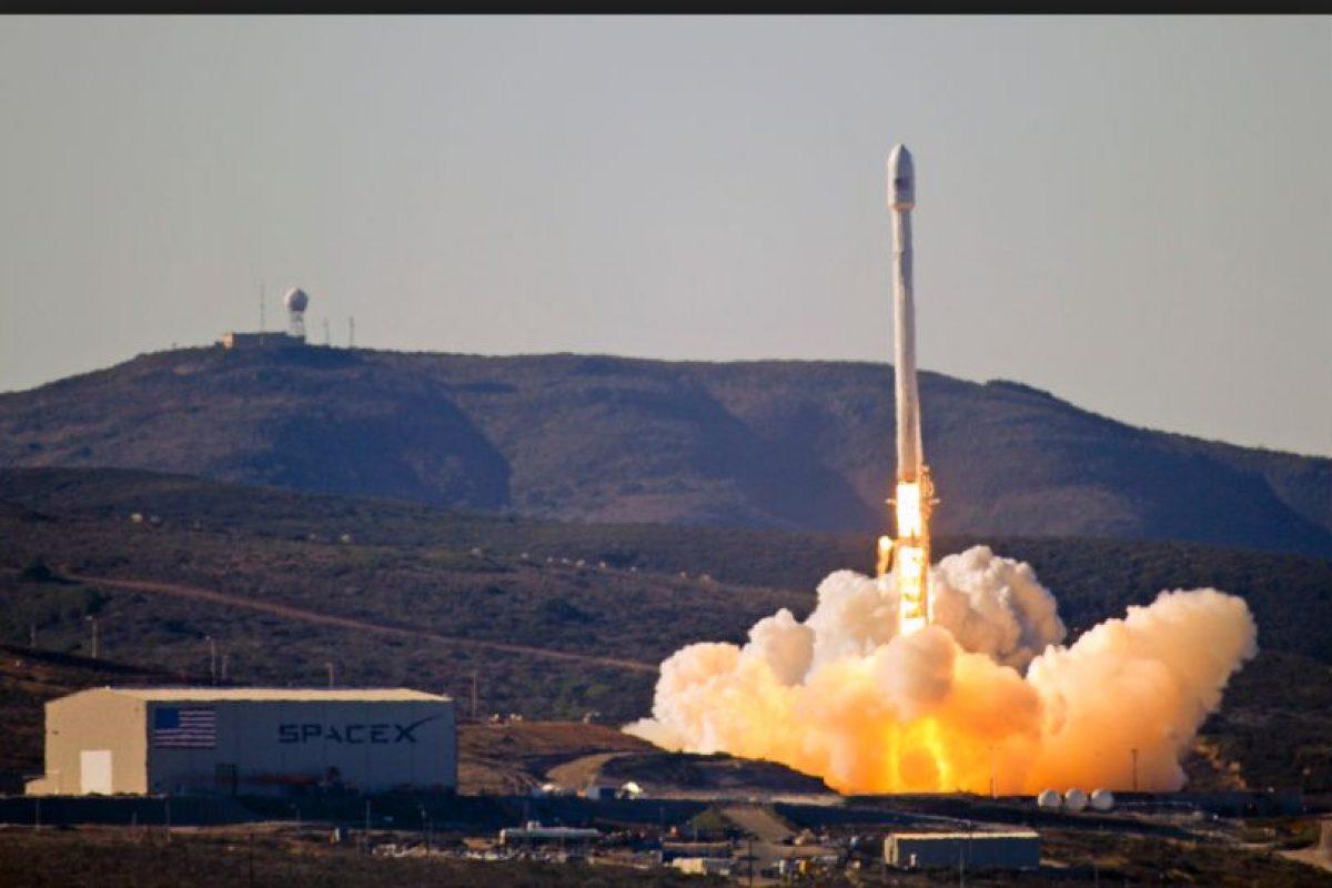 El prototipo de un cohete Falcon 9, de la compañía SpaceX, sufrió un accidente durante un vuelo de prueba Foto:Wikicommons. Imagen Por: