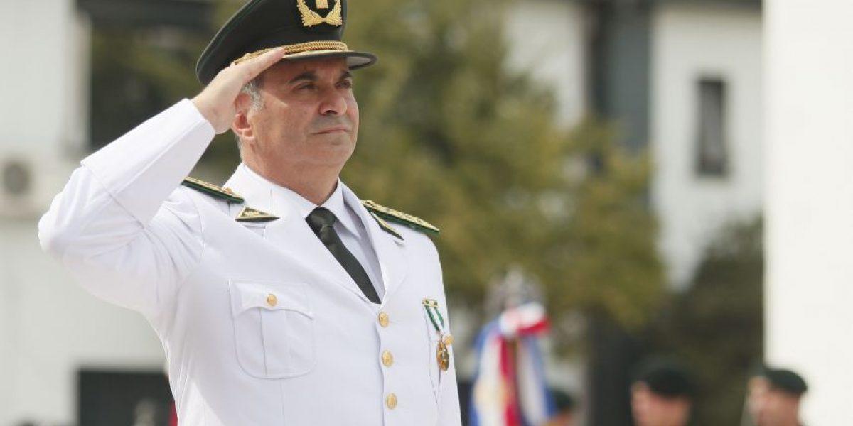 Director de Gendarmería sorprende al presentar su renuncia