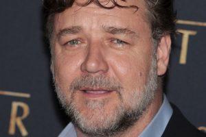 Crowe también es cantante y compositor. Participó en el musical Grease, en 1983 Foto:Getty Images. Imagen Por: