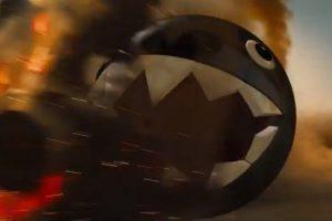 La bola gigante con dientes es un enemigo clásico en los juegos de Mario Bros Foto:Kris Sundberg/YouTube. Imagen Por: