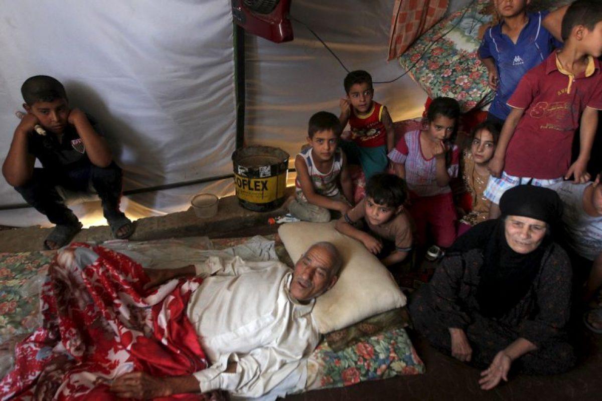 5. El grupo terrorista genera esa cantidad de dinero mediante la venta del petróleo, que estos se apoderaron de varias refinerías en Irak y Siria. Foto:AFP. Imagen Por: